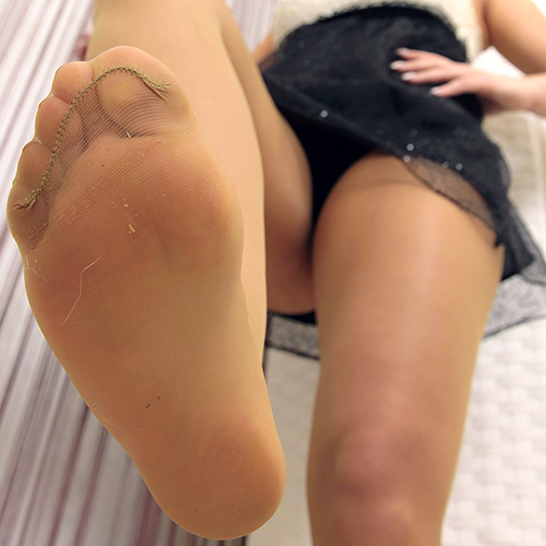 dominant-girls-daliah-02-3