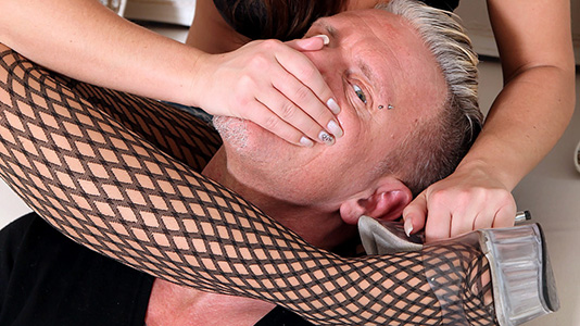homsmother-daliah-02-3